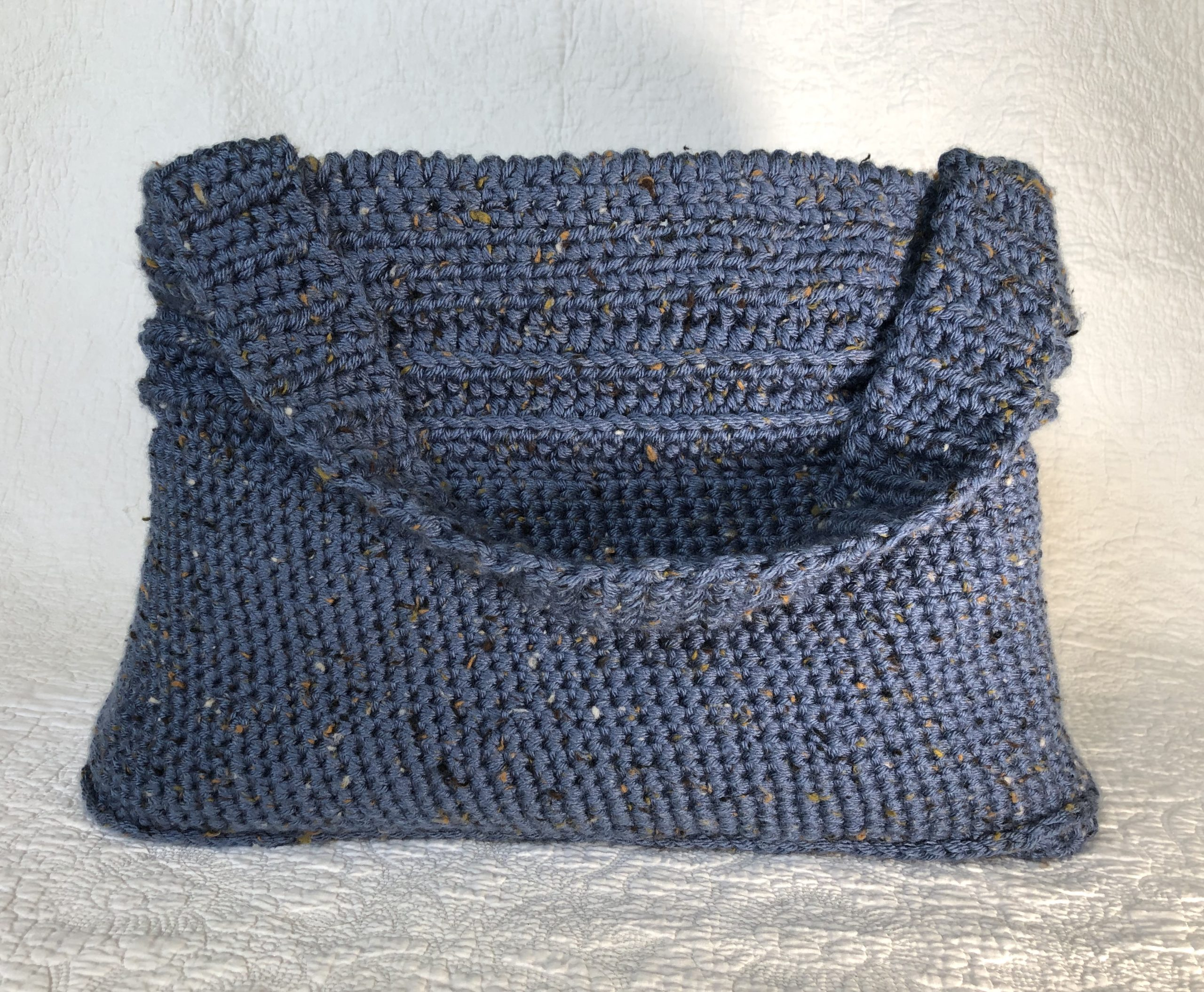 Blue shoulder bag.