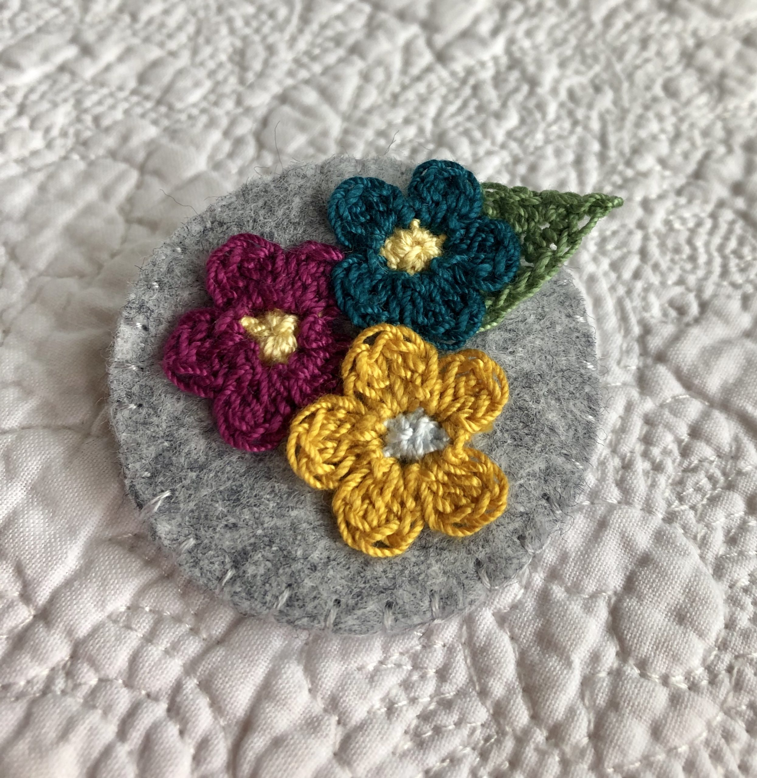 Posy of little flowers brooch.