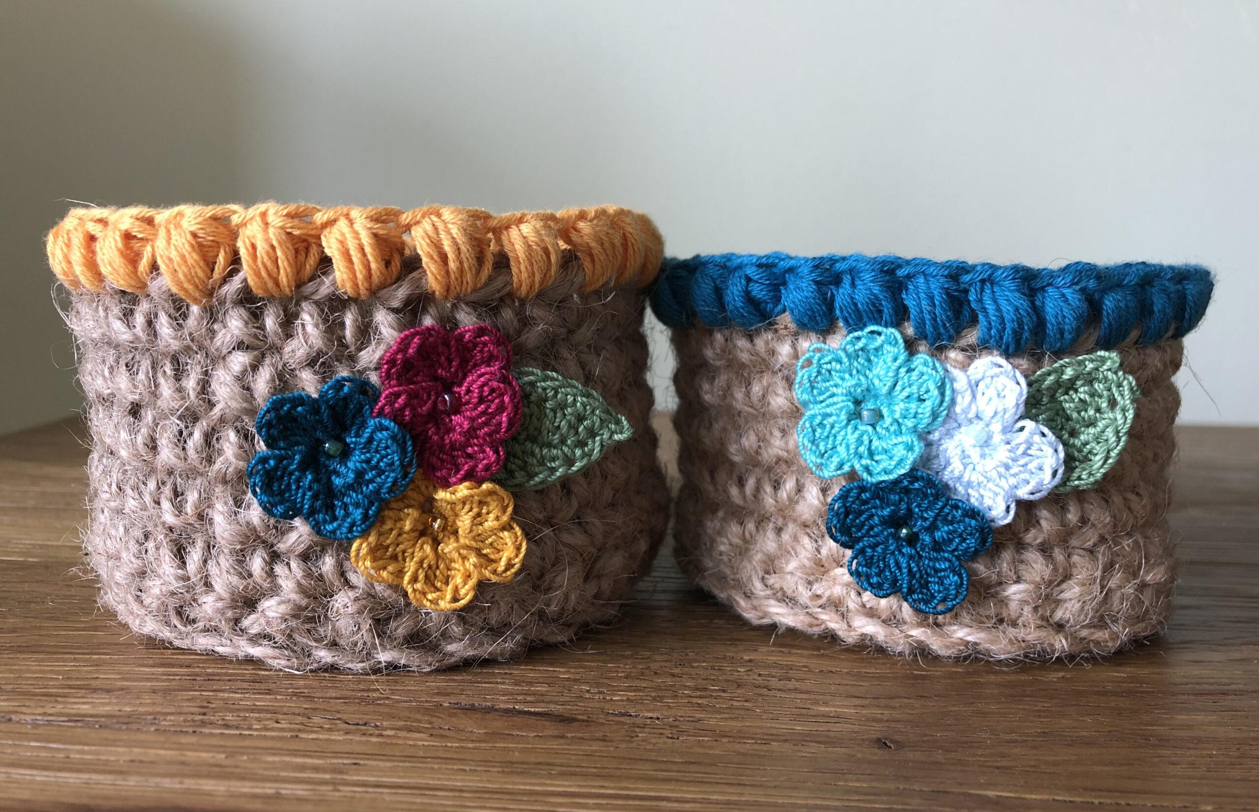 Nesting jute storage baskets.